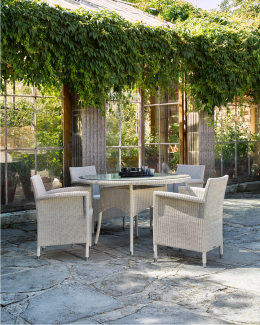 vincent-sheppard-safi-dining-chair-nimes-dining-table