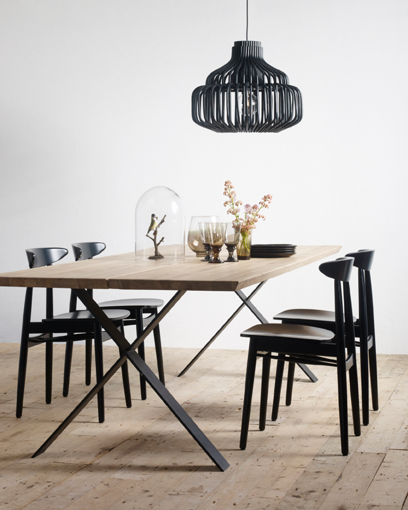 Vincent-Sheppard-Albert-dining-table-X-base-Teo-dining-chair