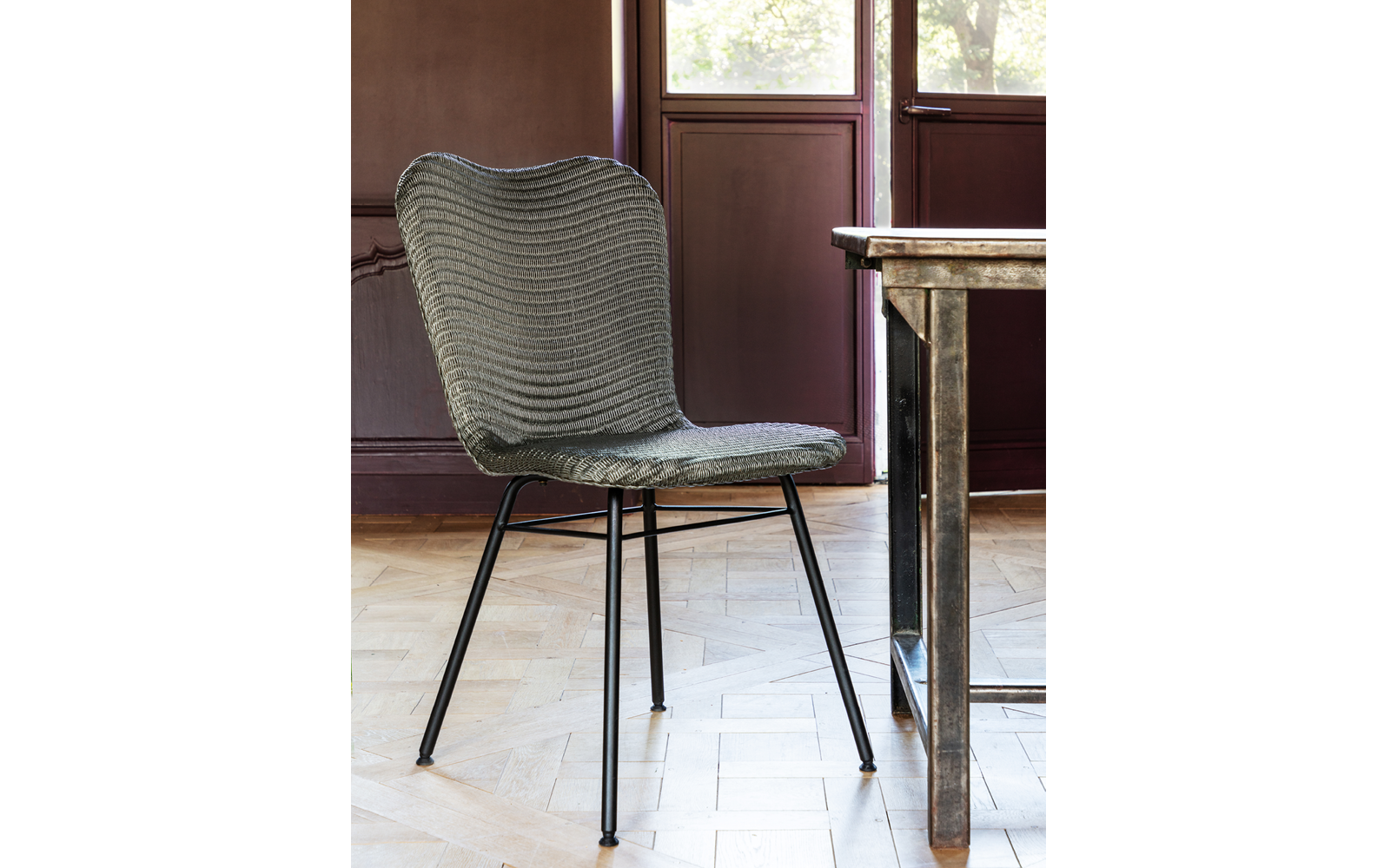 Vincent-Sheppard-Lily-dining-chair-steel-A-base