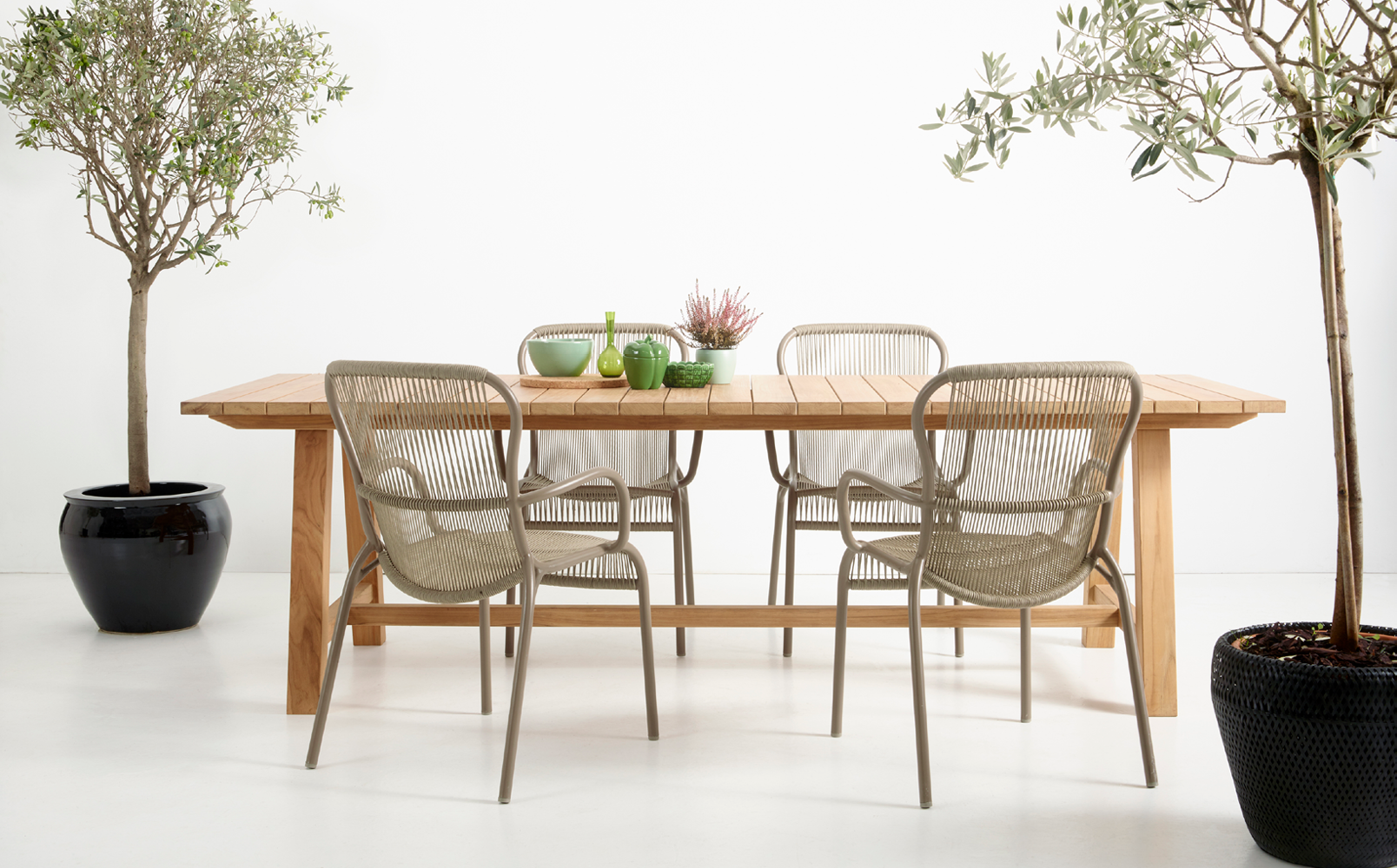 vincent-sheppard-loop-dining-chair-taupe-bernard-dining-table