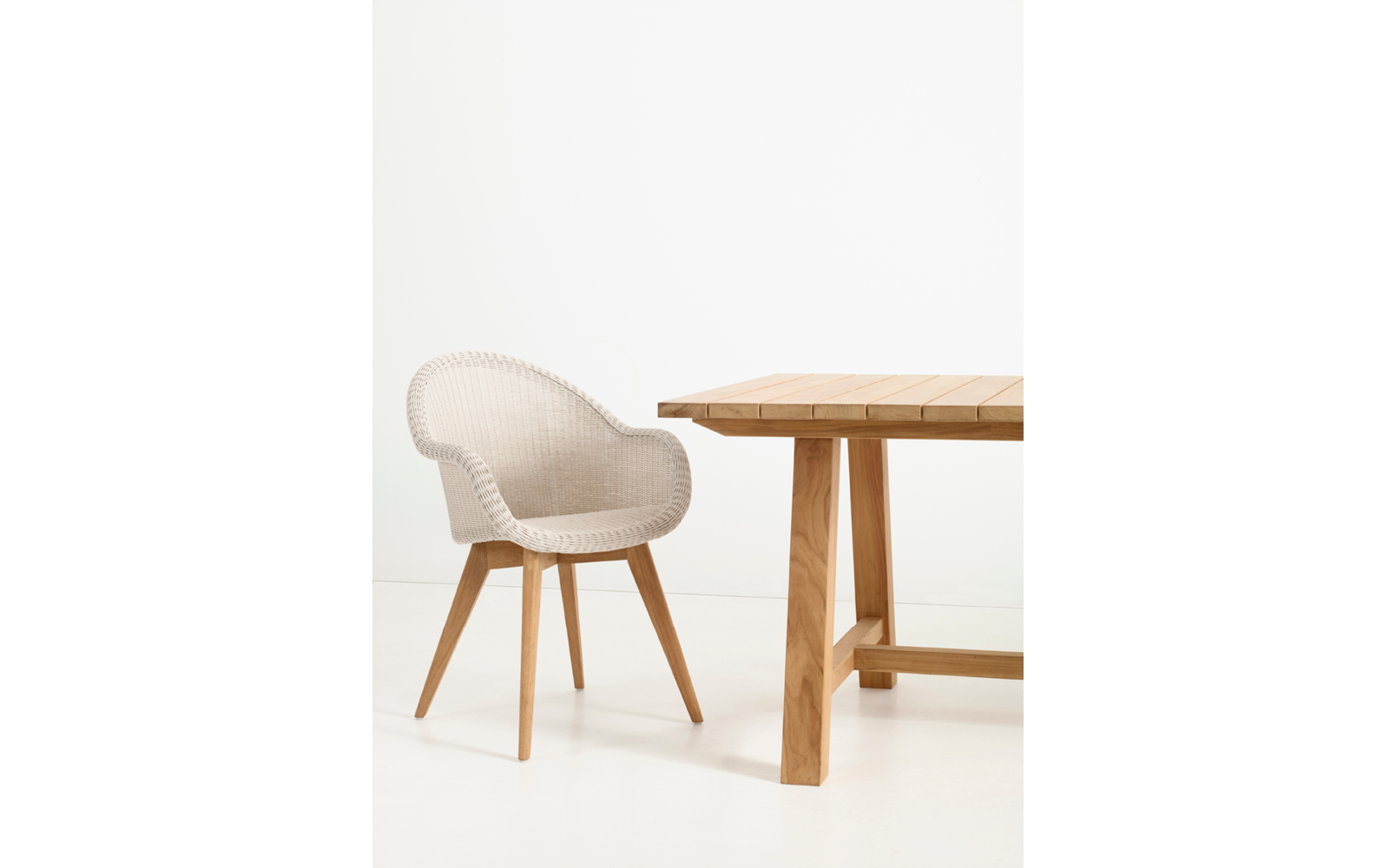 vincent-sheppard-Edgard-dining-chair-teak-base-bernard