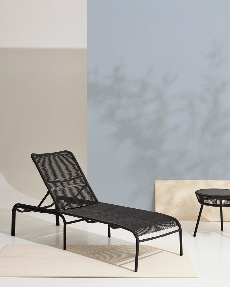vincent-sheppard-loop-sunlounger-side-table-black